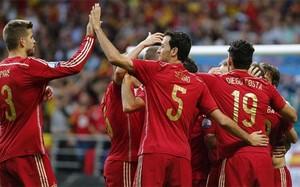 860a38c2ffd Los jugadores de la selección española celebran uno de sus goles frente a  Eslovaquia