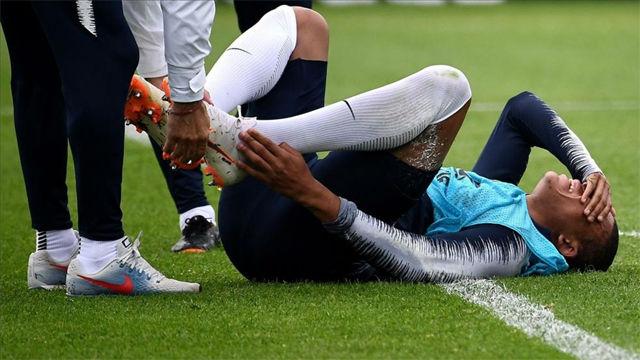 Mbappé se leiona en el entrenamiento de Francia