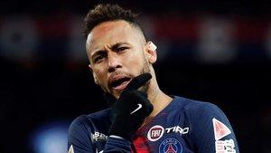 Neymar celebrando su gol. Al final su gesto fue otro totalmente distinto