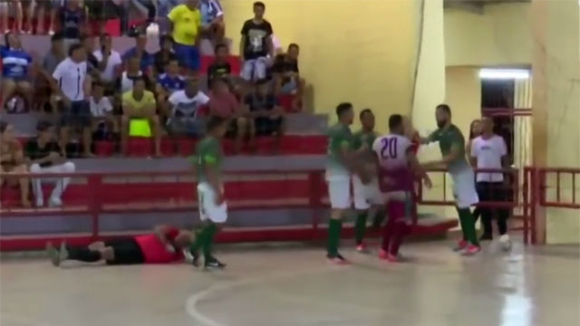 Salvaje agresión a un árbitro de futsal: el jugador terminó detenido y el colegiado, hospitalizado