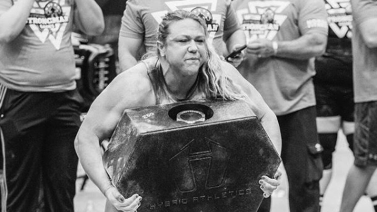 Donna Moore strongwoman
