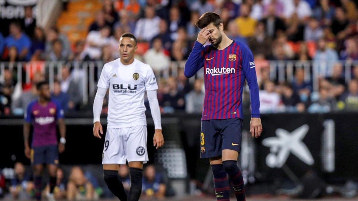 La Liga denuncia al Valencia por unos cánticos contra Piqué y Shakira