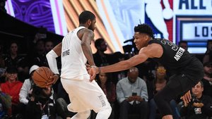 Antetokounmpo, frente a Irving en el All Star Game de 2018