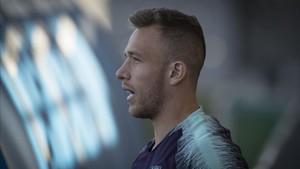 Arthur Melo, a su salida al campo de entrenamiento para preparar el Barça-Girona