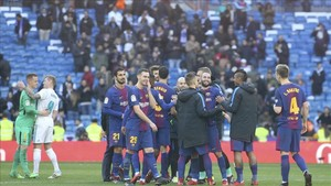 El Barça cerró el año celebrando una gran victoria en el Bernabéu