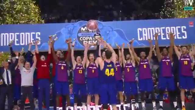 El Barça Lassa levanta el título de campeón en el WiZink Center