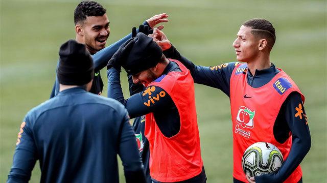 Brasil se prepara en Praga para su amistoso ante la República Checa