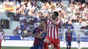 Con una victoria, el Huesca superaría al Almería en puntos y se posicionaría como el perseguidor directo del Cádiz
