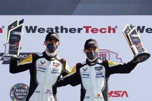 Jordan Taylor y Antonio García, en el podio de Mid-Ohio