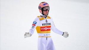 Kraft tras un salto en Finlandia