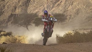 Laia Sanz durante una etapa del Dakar