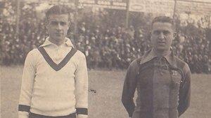 Lluís Brú y Eduard Reguera el día que fueron homenajeados por el FC Barcelona el 19 de octubre de 1919