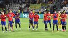 Los integrantes de la selección sub-21 de España durante la entrega de la Copa a Alemania tras la final