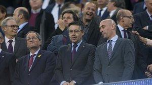 Luis Rubiales y Bartomeu, en el Camp Nou durante el Barça-Levante