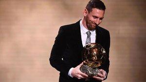 Messi, con el Balón de Oro en la gala de París