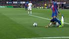 Meunier tiró a Neymar con la cabeza