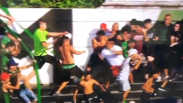 Otro nivel de violencia: ¡a cuchilladas en las gradas en Argentina!