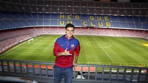 Philippe Coutinho se hizo su primera foto en el Camp Nou como jugador del FC Barcelona