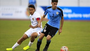Santiago Bueno está disputando el Sudamericano sub20 con Uruguay