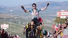 Tim Wellens (Lotto-Soudal) entra vencedor en la meta de Caltagirone