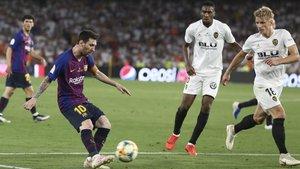 Una imagen de la última final de Copa entre el FC Barcelona y el Valencia CF