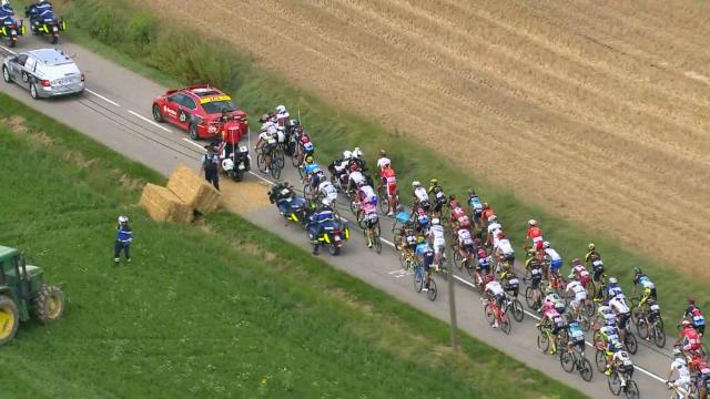 Una protesta de agricultores interrumpió el Tour de Francia
