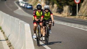 Ciclistas por carretera