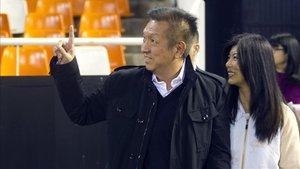 La afición del Valencia pidió la marcha de Peter Lim