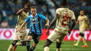 Arthur juega la final de la Copa Libertadores