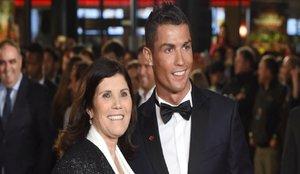 Cristiano Ronaldo vuelve a volar a Madeira para ver a su madre