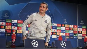 Ernesto Valverde acudió sonriente a la rueda de prensa