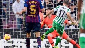 Joaquín marca el 0-2 en el Barça-Betis de la Liga Santander 2018/19