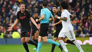 De Jong no entendió por qué el árbitro le anuló su gol