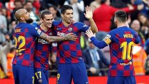 Los blaugrana celebraron el gol de Griezmann tras asistencia de Suárez