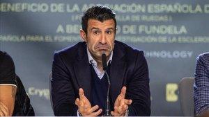 Luis Figo no entiende que se quiera acabar con la Champions League