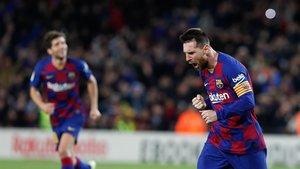 ¡Messi marca el tercero en otra falta magistral! (ES)
