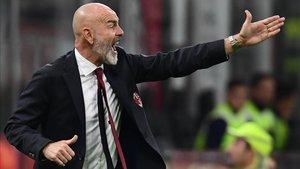 Pioli no pudo estrenarse con victoria en el banquillo del Milan