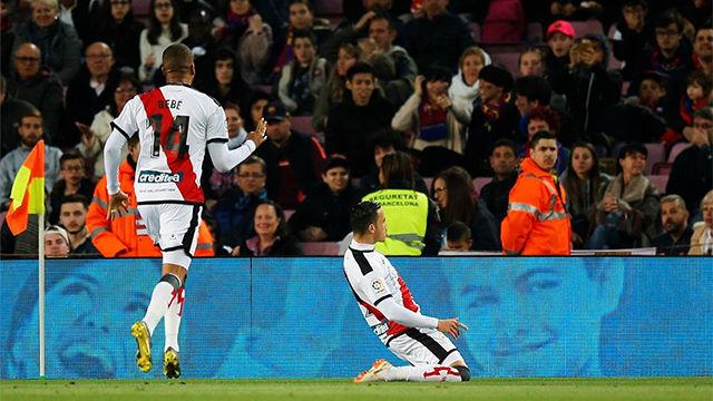 Raúl de Tomás inquietó al Camp Nou con un gol de killer