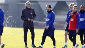 Setién y Messi, en un entrenamiento del FC Barcelona