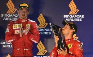 Leclerc y Vettel en el podio de Singapur