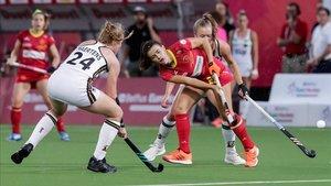 Alemania y España pelean por una posesión