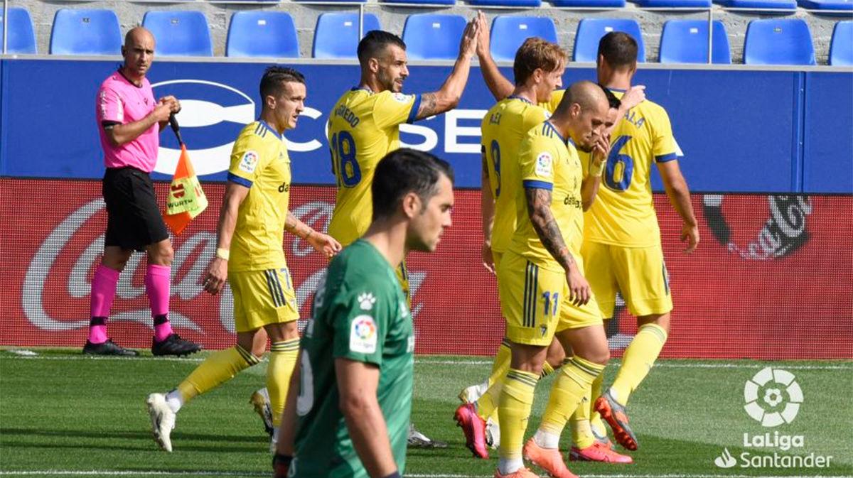 El Cádiz se lleva la victoria en El Alcoraz