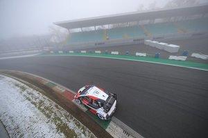 Frío y niebla en el shakedown de Monza