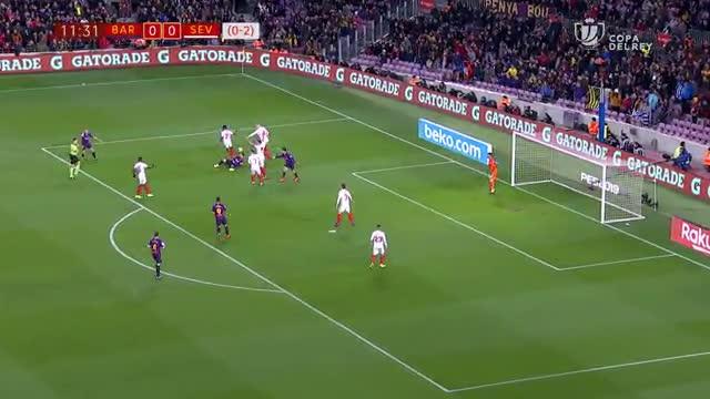 El gesto de caballero de Messi con Coutinho dejándole lanzar un polémico penalti