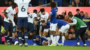 La grave lesión de André Gomes dejó en shock a jugadores del Everton y del Tottenham