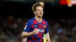 Ivan Rakitic es uno de los futbolistas que el FC Barcelona pondrá en el mercado