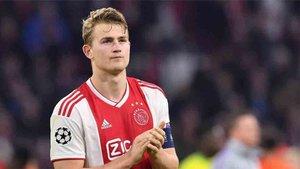 De Ligt, según la prensa holandesa, jugará enl a Juventus