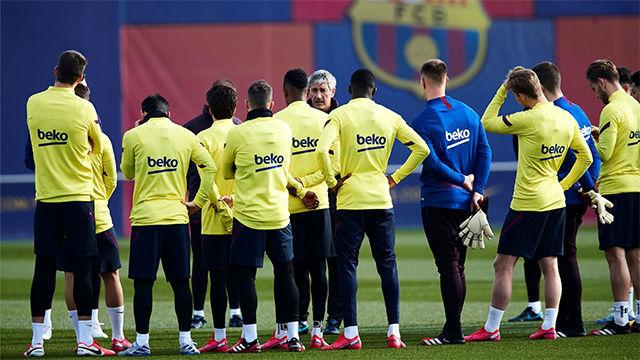Masiva presencia de jugadores del filial y del juvenil en el entrenamiento del Barça