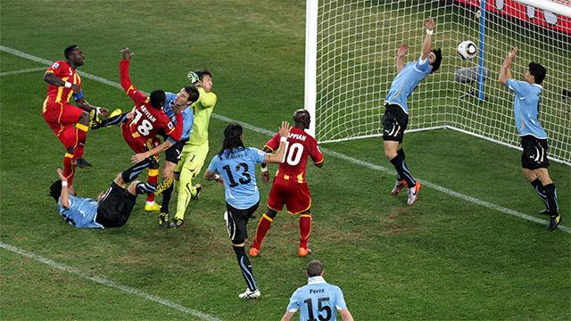 El penalti cometido por Luis Suárez en el Mundial 2010 de Sudáfrica