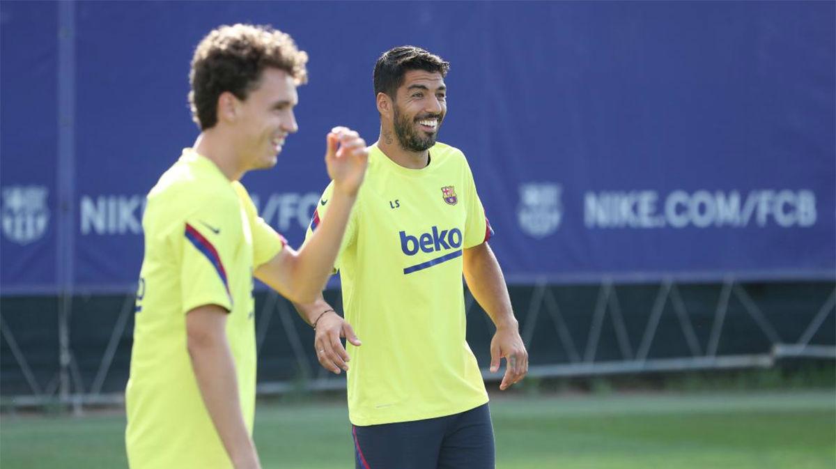 Ronald Araujo realiza trabajo específico en la vuelta a los entrenamientos del Barça